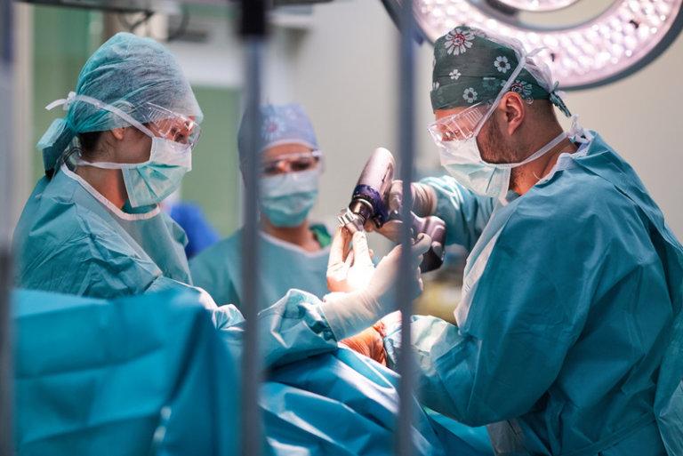 Operácia - Nemocnica Bory